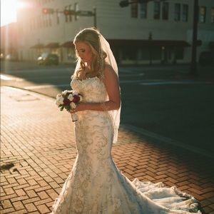 Sotero Midgley Wedding Dress